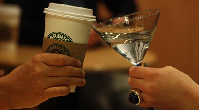 Starbucks'ta alkol satışı başlıyor