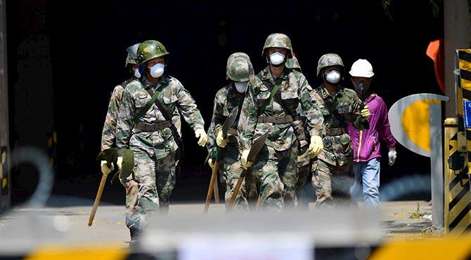 Çin'deki Tiancin felaketinin ardından 23 kişi tutuklandı
