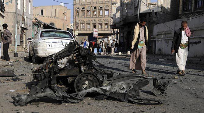 Yemen'de camiye saldırı: 32 ölü