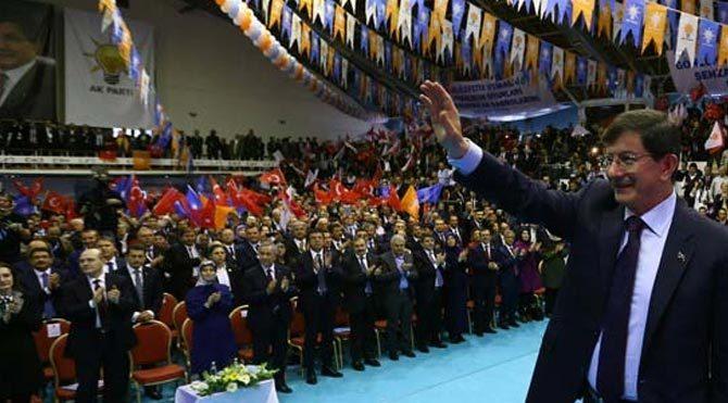 AKP Kongresi'nde medyanın yarısı yok!