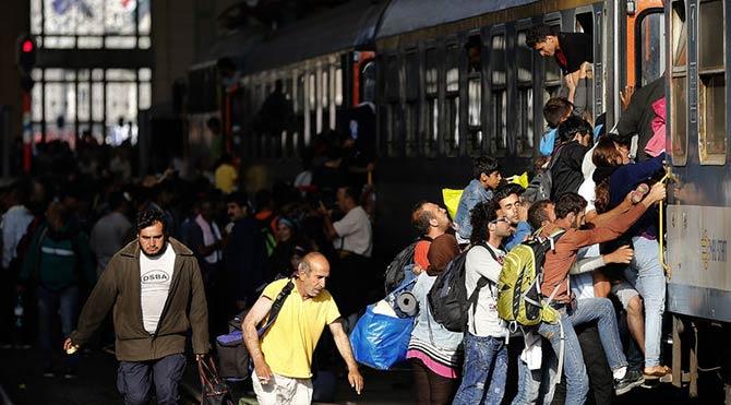 Merkel'den AB'yi şoke eden 'sınır' kararı
