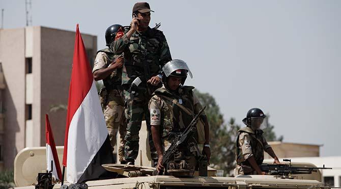 Mısır askerleri 'yanlışlıkla' 12 turisti öldürdü