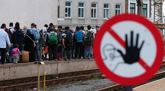 Almanya sınırdaki göçmenleri tutuklamaya başladı