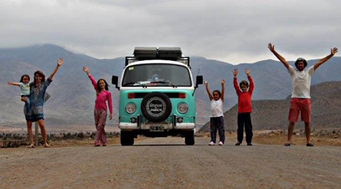 Papa'yı görmek için 21 bin kilometre yol giden aile
