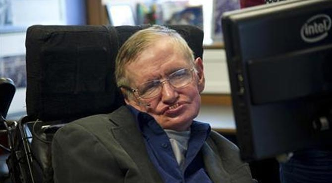 Hawking: Dünya işgal edilebilir