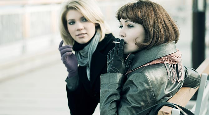 Paris'te sokağa izmarit atmanın cezası var