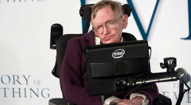 Stephen Hawking: Uzaylılar dünyayı istila edebilir