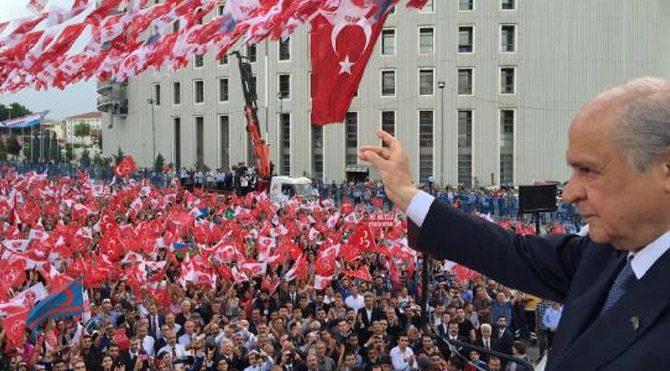 CHP, MHP ve Saadet Partisi liderleri bir dahaki genel seçime 71 yaşında girecekler.