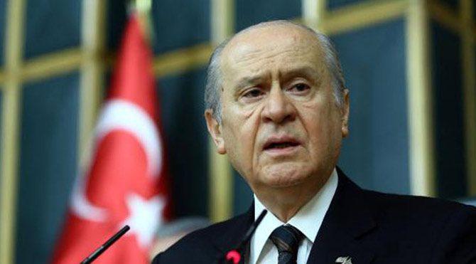 1 Kasım seçimlerinde büyük oy kaybını yaşayan MHP'de gözler genel başkan Devlet Bahçeli'ye çevrilmiş durumda...