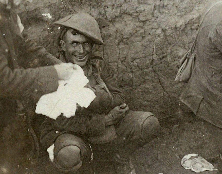 1916 Delilik 1916 Eylül'ünde Courcelette Savaşı sırasında bulunduğu siperde savaş…