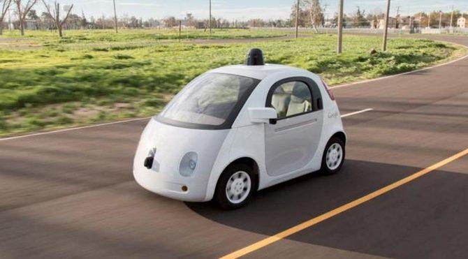 Google'ın insansız aracı polis çevirmesine yakalandı!