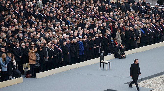 Fransa, terör kurbanlarını anıyor