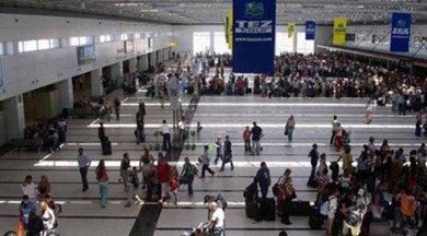 Dış hatlar yolcuları yanlışlıkla iç hatlara bırakıldı