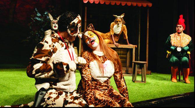 Bremen Mızıkacıları tiyatro sahnesinde
