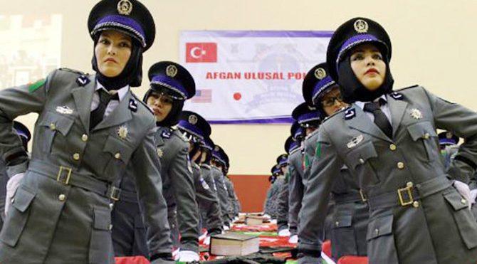 389 Afgan kadın komiser yardımcısı oldu