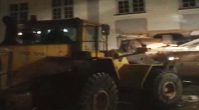 Danimarka'da iş makinasıyla banka soydular