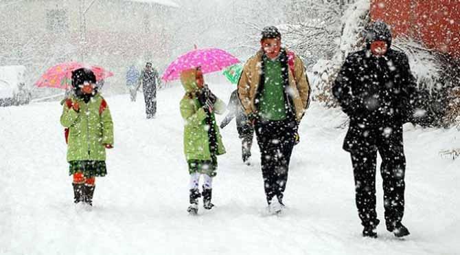 İki ilde kar nedeniyle okullar tatil edildi