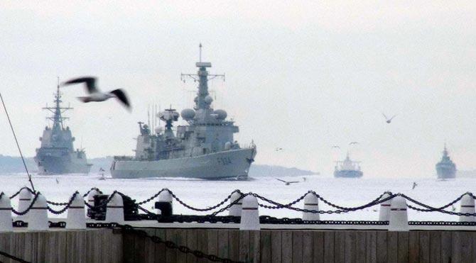 Çanakkale'de 3 savaş gemisi