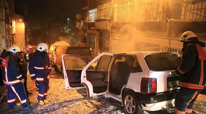 Beyoğlu ve Eyüp'te 7 araç kundaklandı