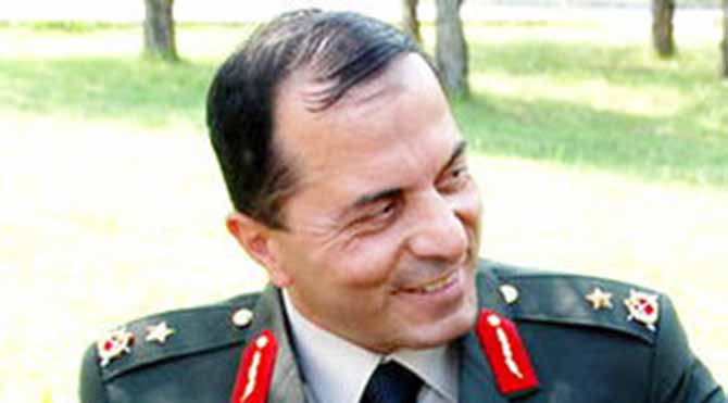 NATO komutanı 671 bin lira tazminat kazandı!..