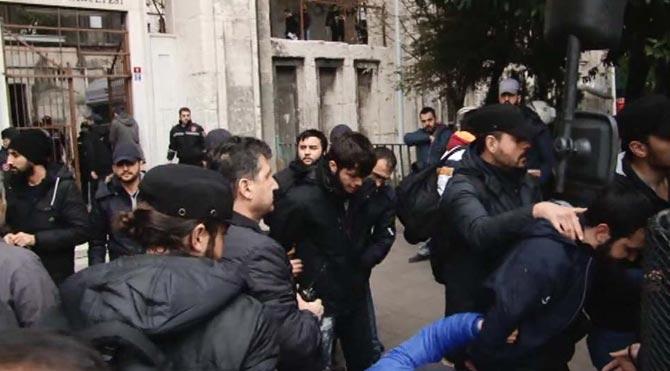 İstanbul Üniversitesi'de olaylar çıktı