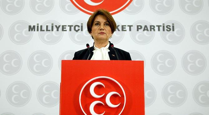 Meral Akşener'in SMS'i bloğu bozdu
