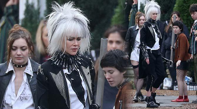 Nicole Kidman yeni filmi 'How To Talk To Girls At Parties' için punkçı oldu