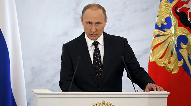 """Guardian: """"Putin başarısızlıklarının üzerini örtmeye çalışıyor"""""""