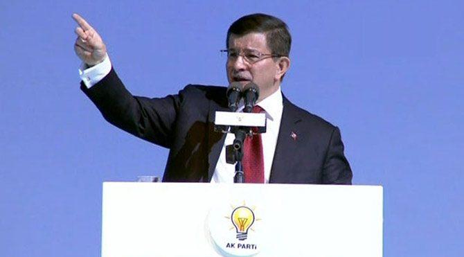 Davutoğlu AKP Kadın Kolları'na konuştu