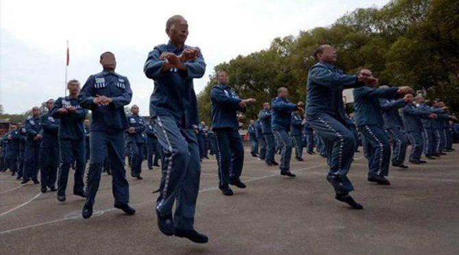Çin'de 600 mahkumdan 'Gangnam Style' dansı