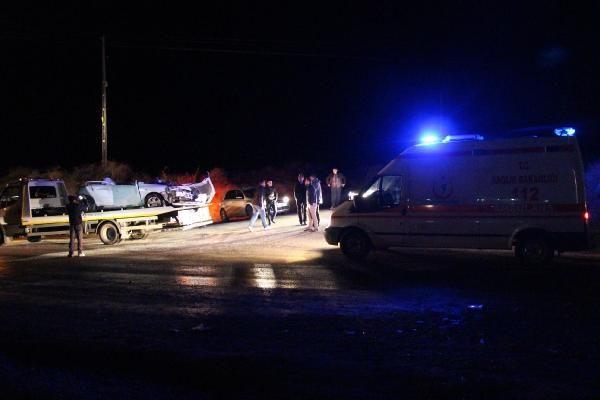 TIR otomobili biçti: 4 ölü!