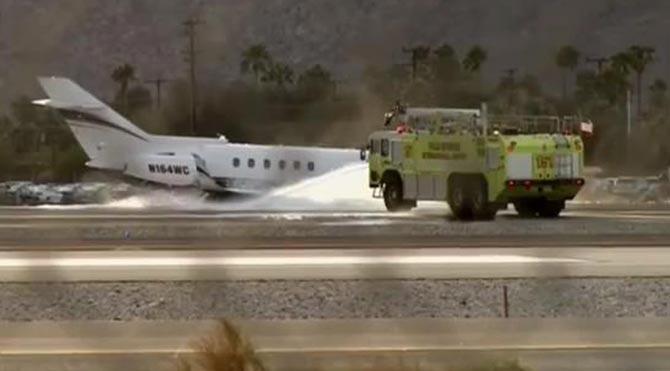 İniş takımları açılmayan uçak büyük tehlike atlattı!