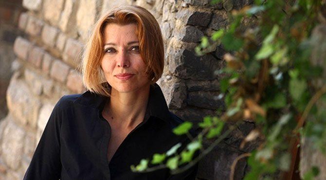 Elif Şafak: Erdoğan kutuplaştırıcı