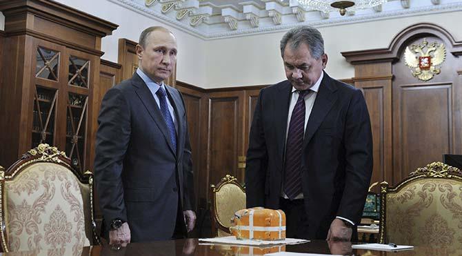 Düşürülen uçağın karakutusu Putin'e sunuldu