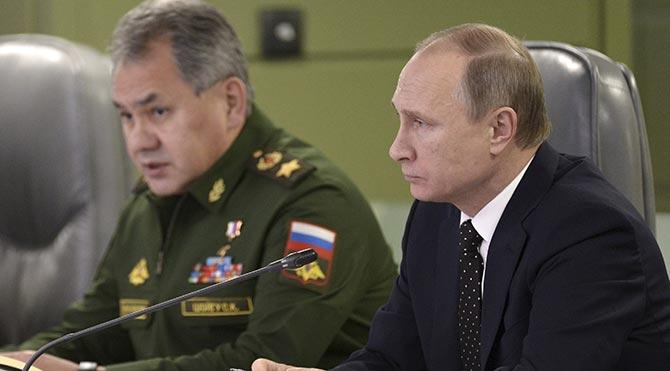 Rusya, IŞİD'i ilk kez denizaltından fırlatılan füzeleriyle vurdu