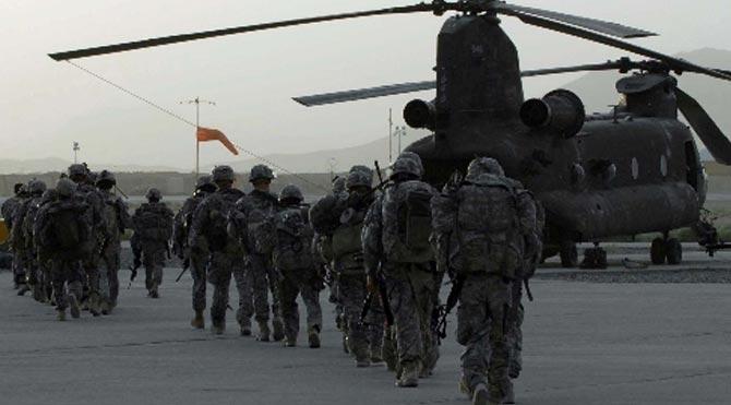 Taliban havaalanına saldırdı
