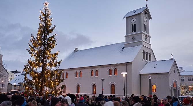 İzlandalılar vergiyi protesto etmek için Sümer dinine geçiyor