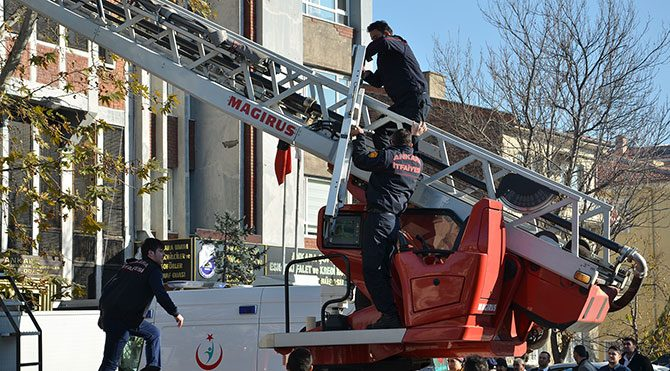 Ankara Büyükşehir İtfaiyesi'nden kurtarma rezaleti