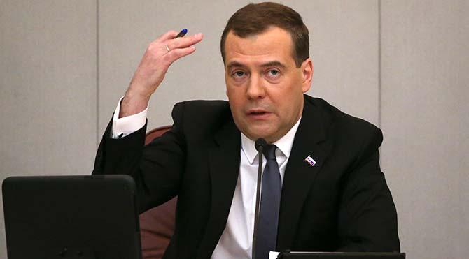 Medvedev: Uçağın düşürülmesinin ardından Türkiye'ye savaş ilan edebilirdik