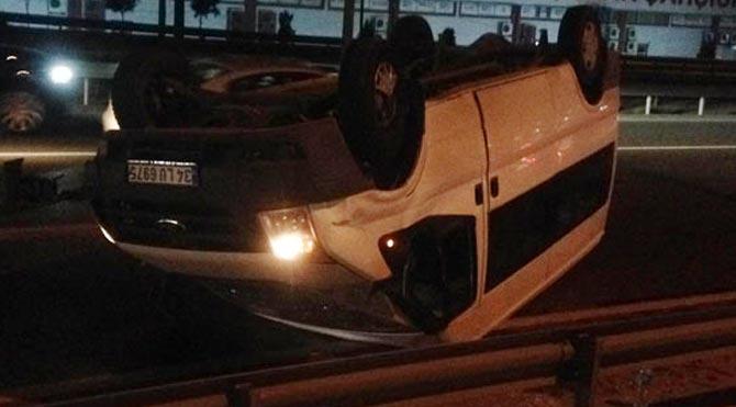 İşçileri taşıyan minibüs takla attı ölü ve yaralılar var