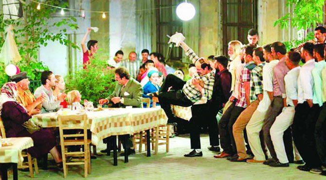 Düğün Dernek 2 rekora koşuyor