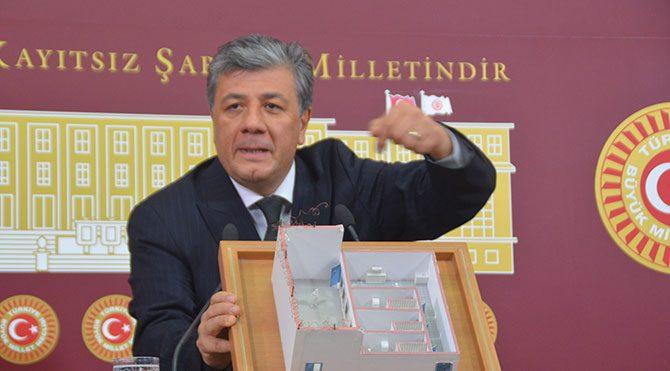 Silivri maketiyle Erdoğan'a seslendi