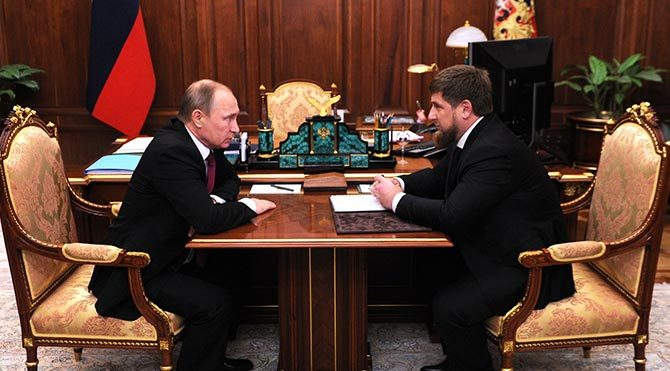 'Vuruldu' denilen Çeçenistan Lideri Kadirov'un fotoğrafları paylaşıldı