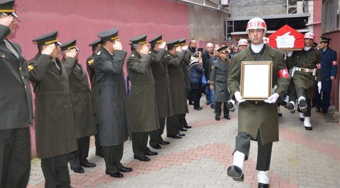 Cemevinde şehide askeri tören yapıldı