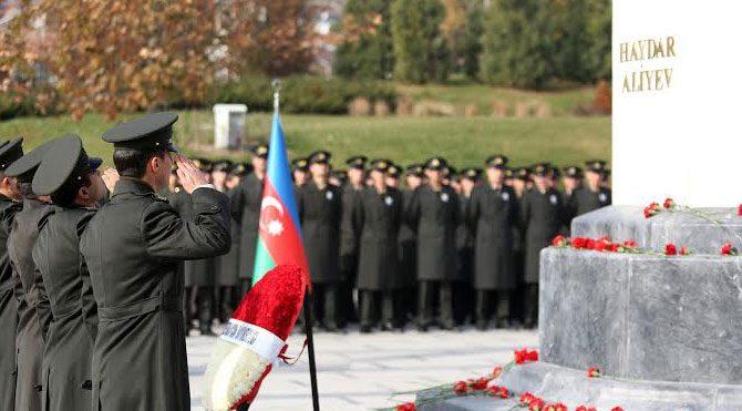 Aliyev Yenimahalle'de anıldı