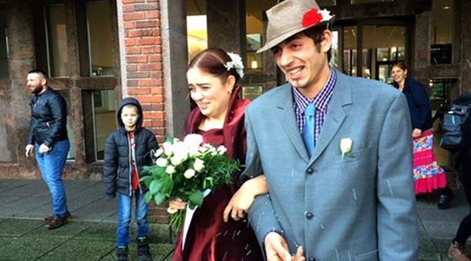 Aşık olduğu dilenciyle evlendi!