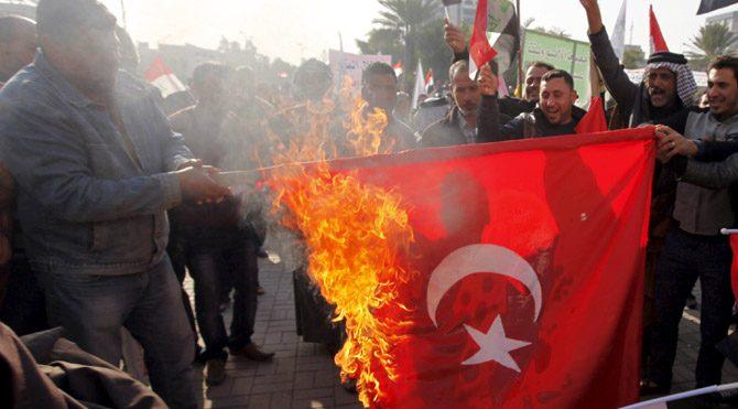 Irak'ta Türk Bayrağı yakıldı!