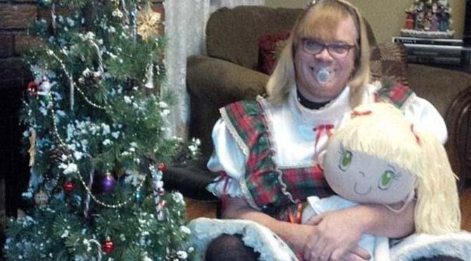 Trans baba, 6 yaşında bir kız olarak evlat edinildi