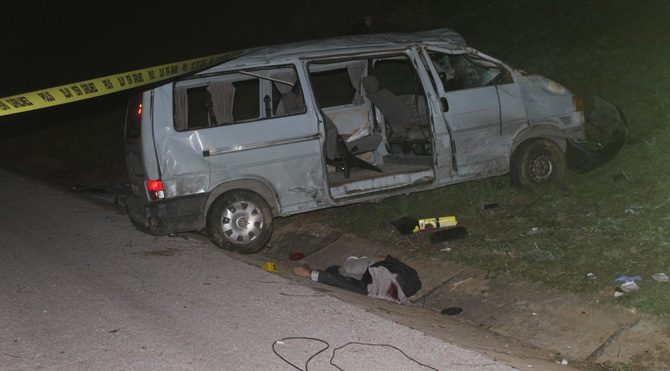 Katliam gibi iki kaza: 4 ölü 16 yaralı
