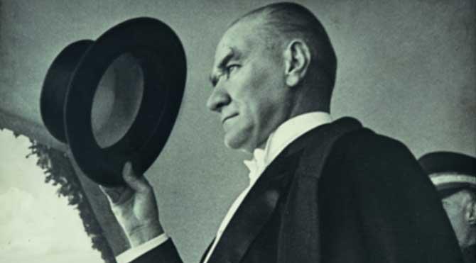Atatürk, yerli malı kullanmaya teşvik eden bir önderdi!